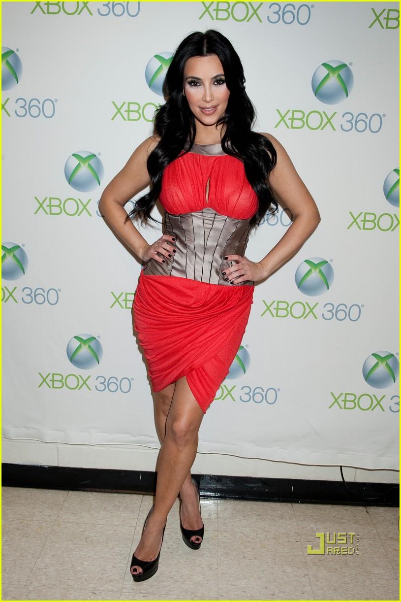 Kim Kardashian: My Christmas Gift Got Snail Poisoning!: Photo ...