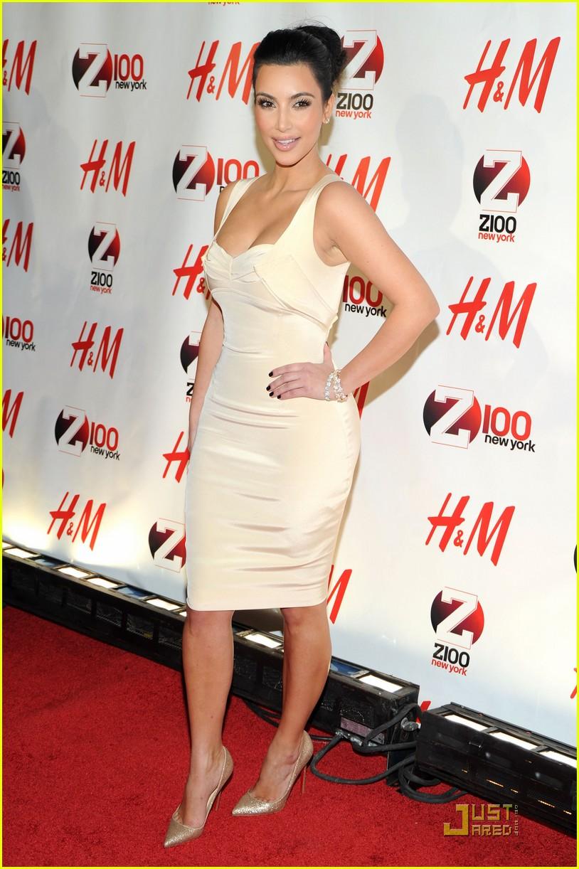 kim kardashian z100 jingle ball 2010 082502543