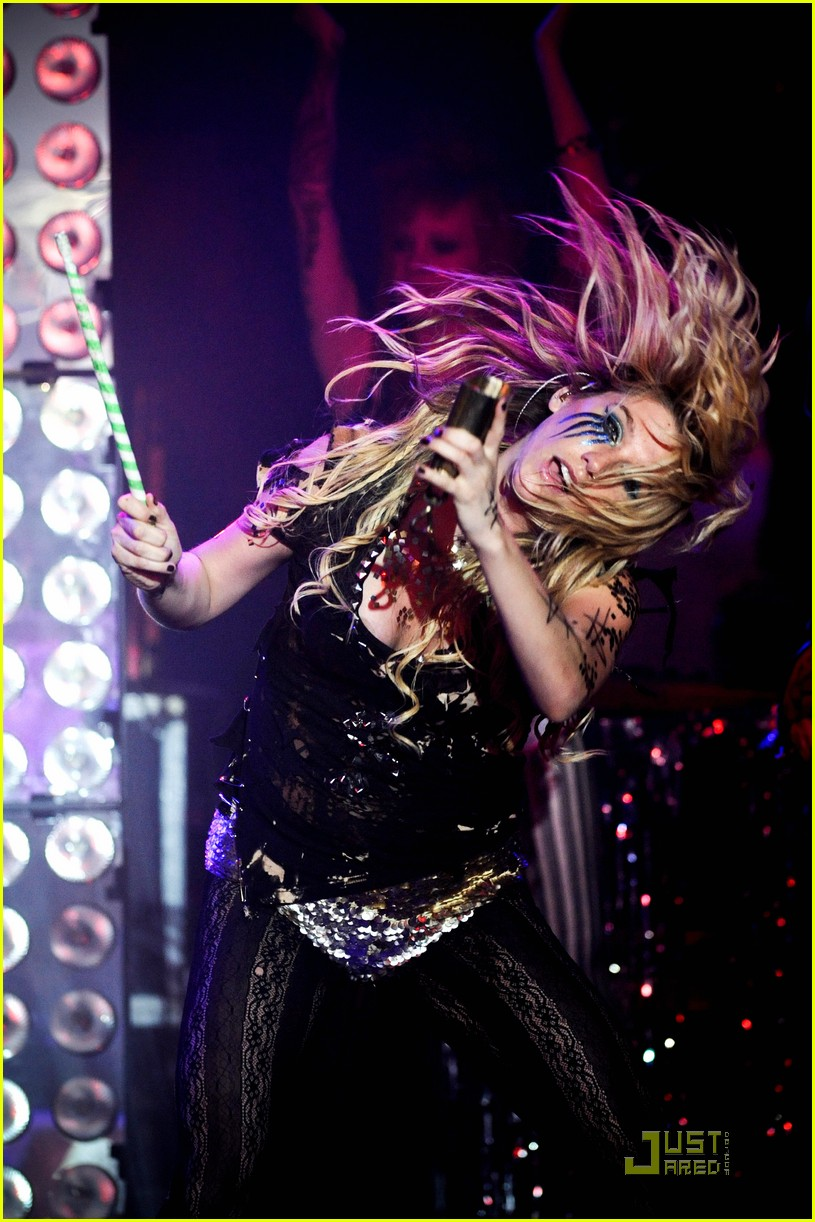 kesha billboard 10