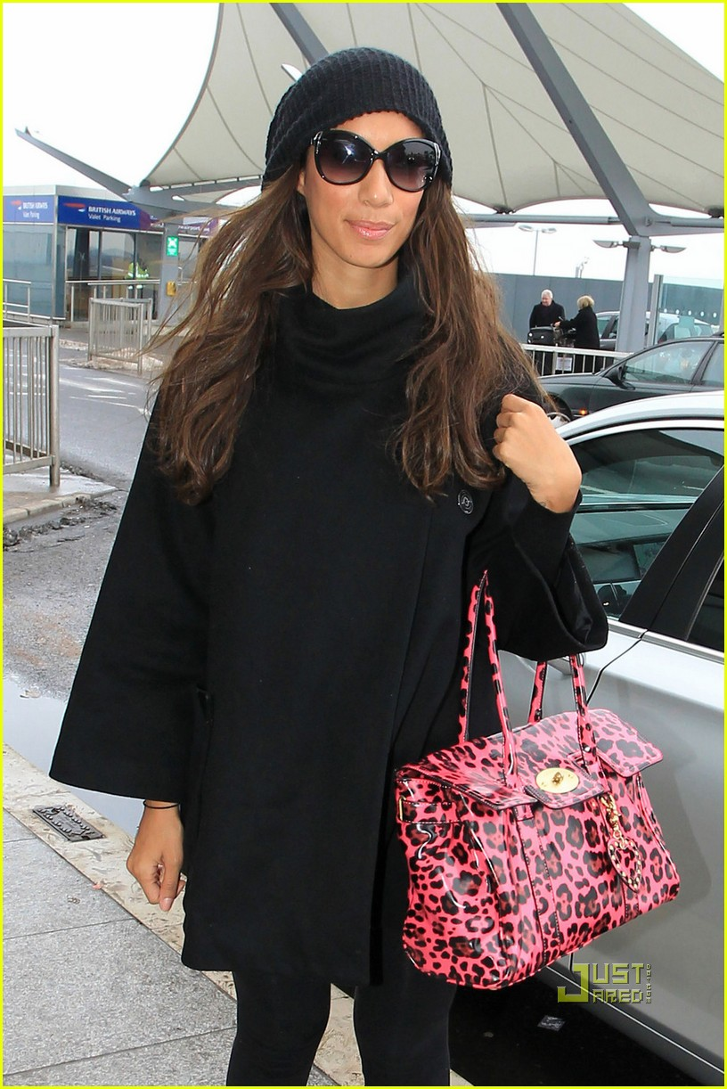 leona lewis heathrow 04