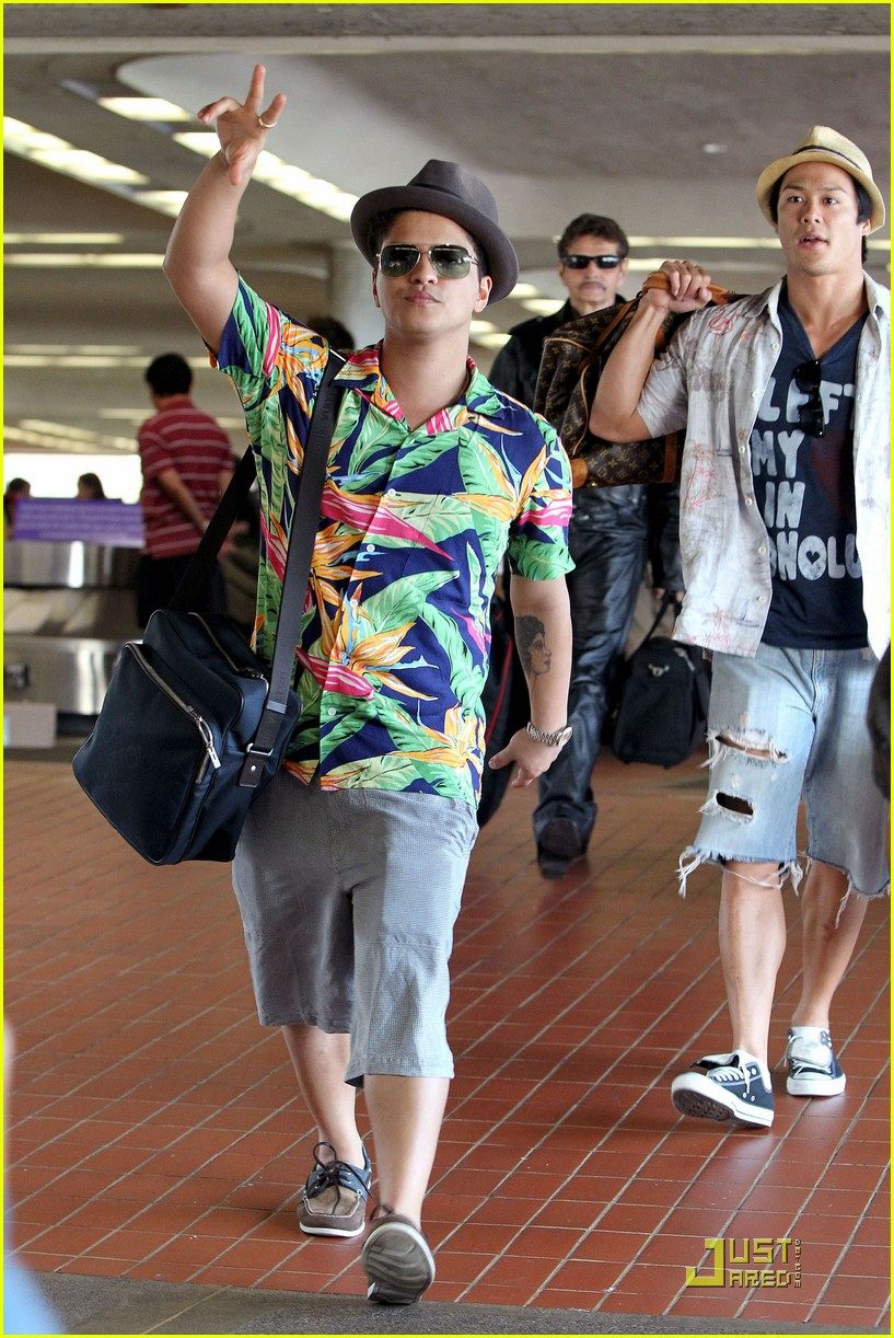 bruno mars aloha hawaii photo 2505616 bruno mars