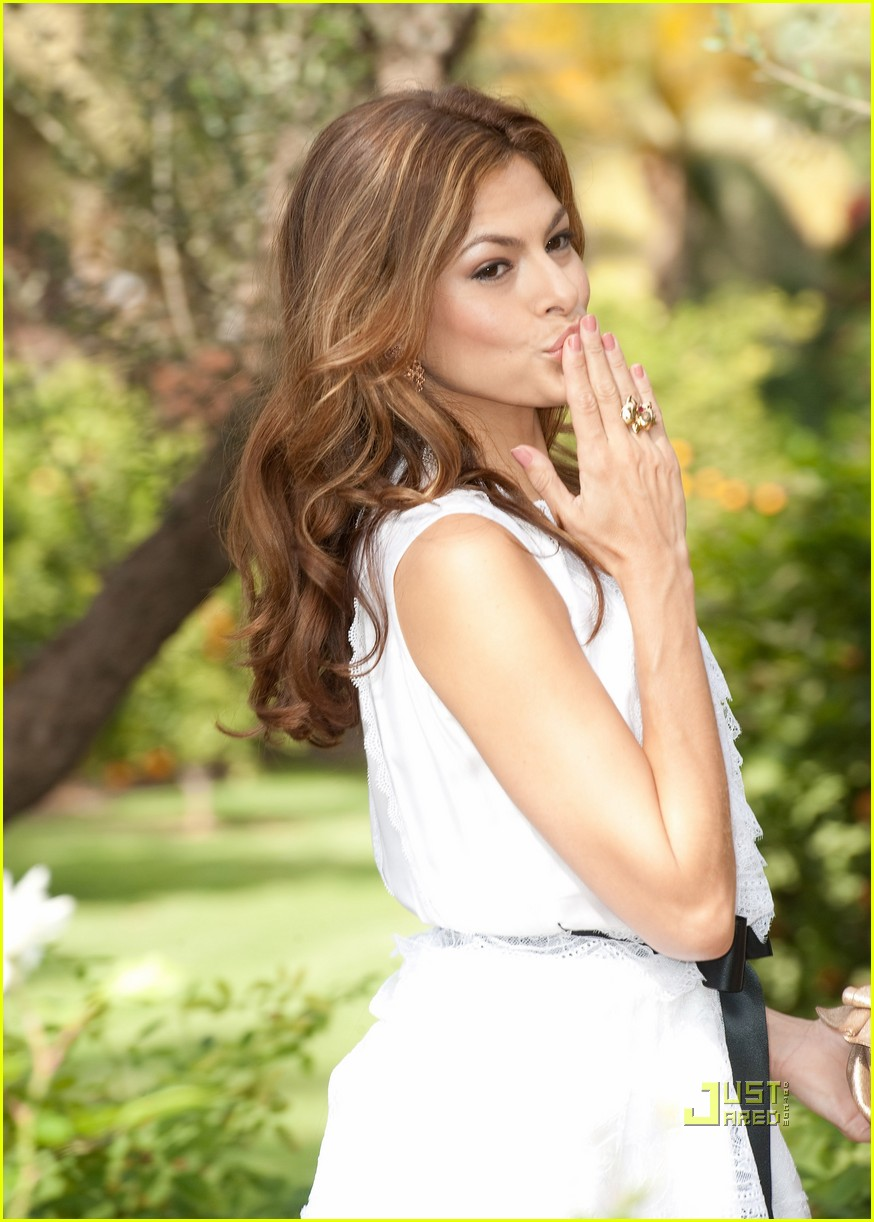 eva mendes marrakech photo call 02