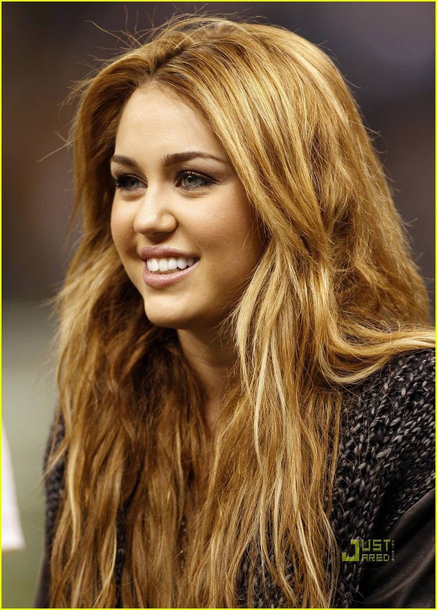 Miley Cyrus So Undercover In New Orleans Photo 2503372 Miley