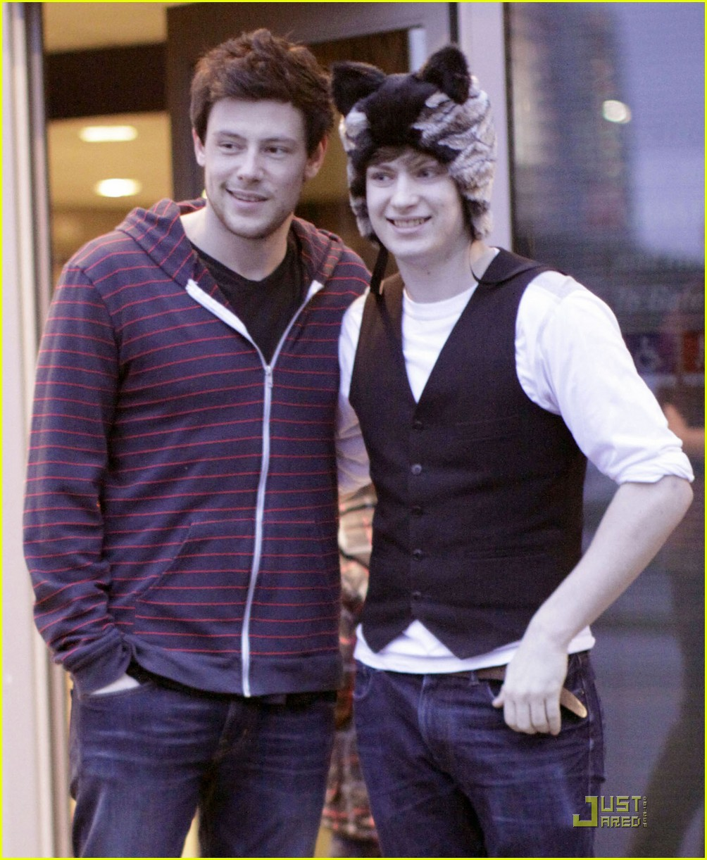 cory monteith fan friendly canuck 042506472