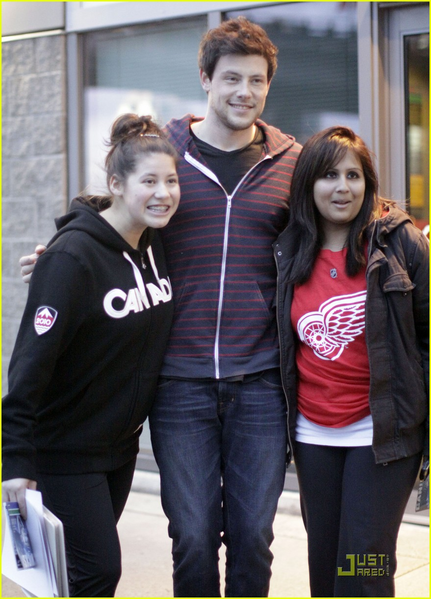 cory monteith fan friendly canuck 082506476