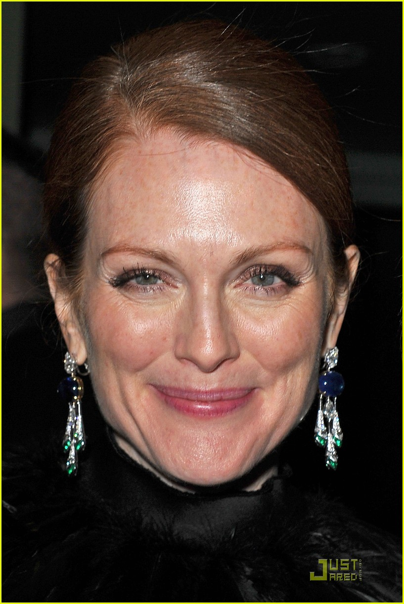 julianne moore bulgari 072502732