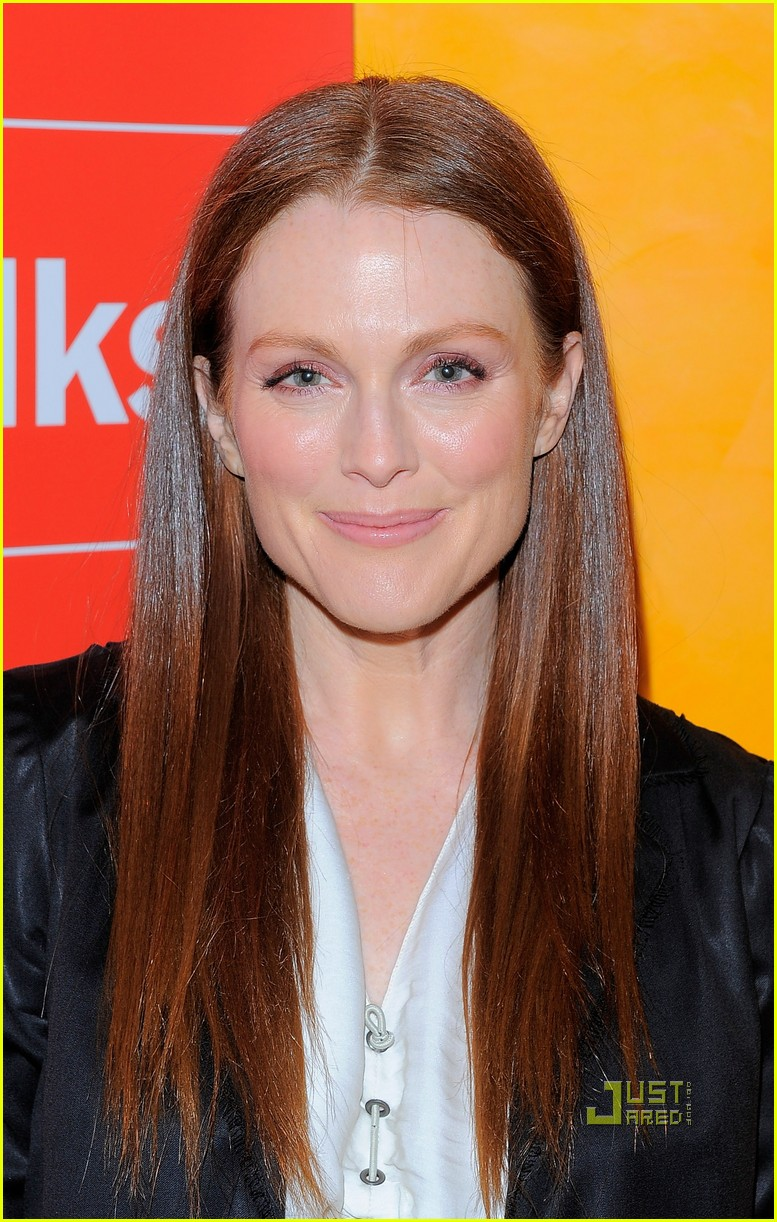 julianne moore new york times 032503924