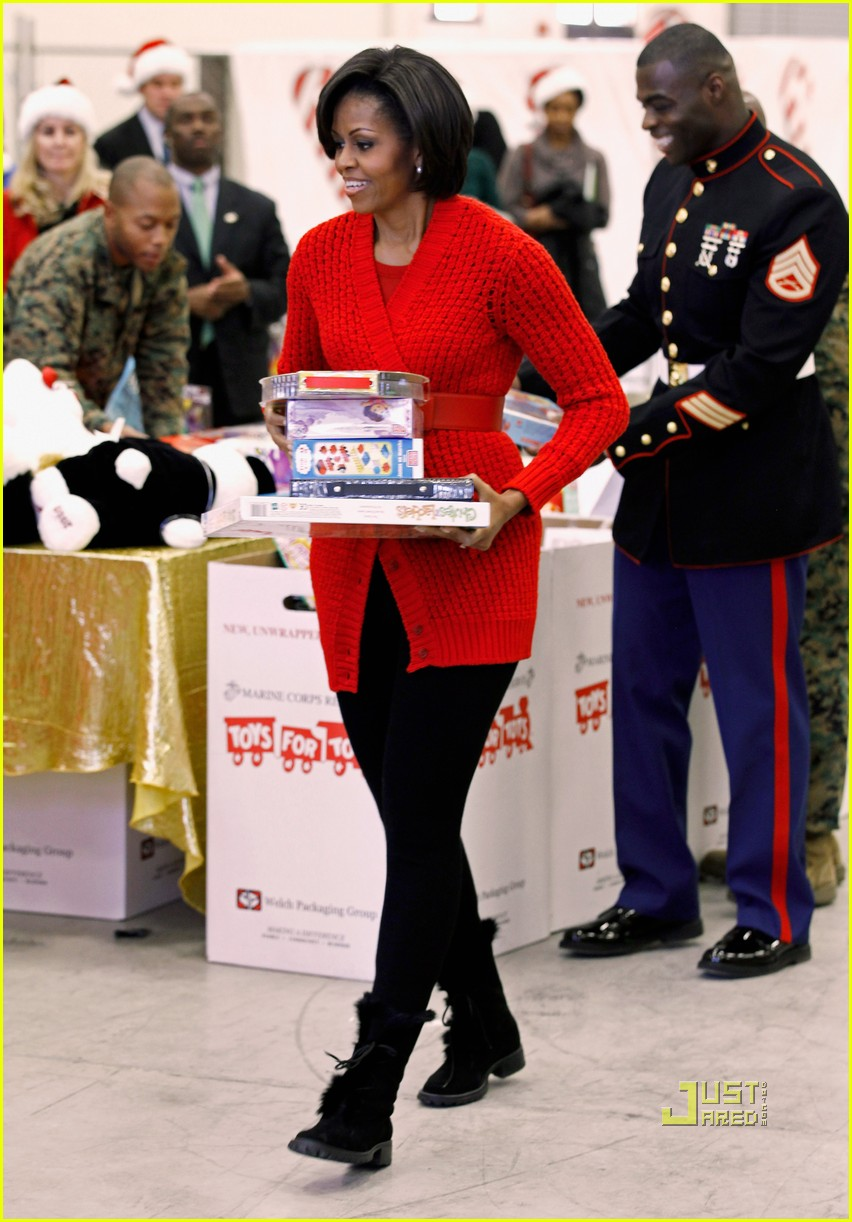 michelle obama toys for tots 052505453