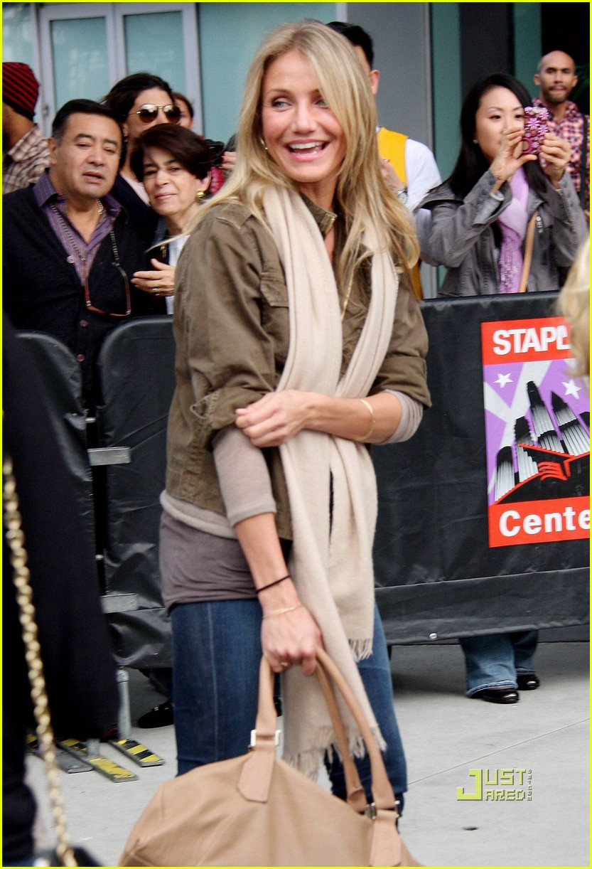 cameron diaz guy oseary lakers game 022506391