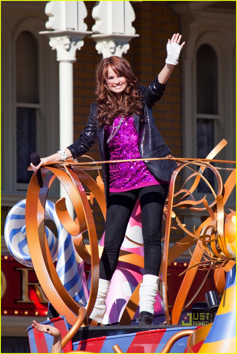 amber riley magic kingdom debby ryan 012500326