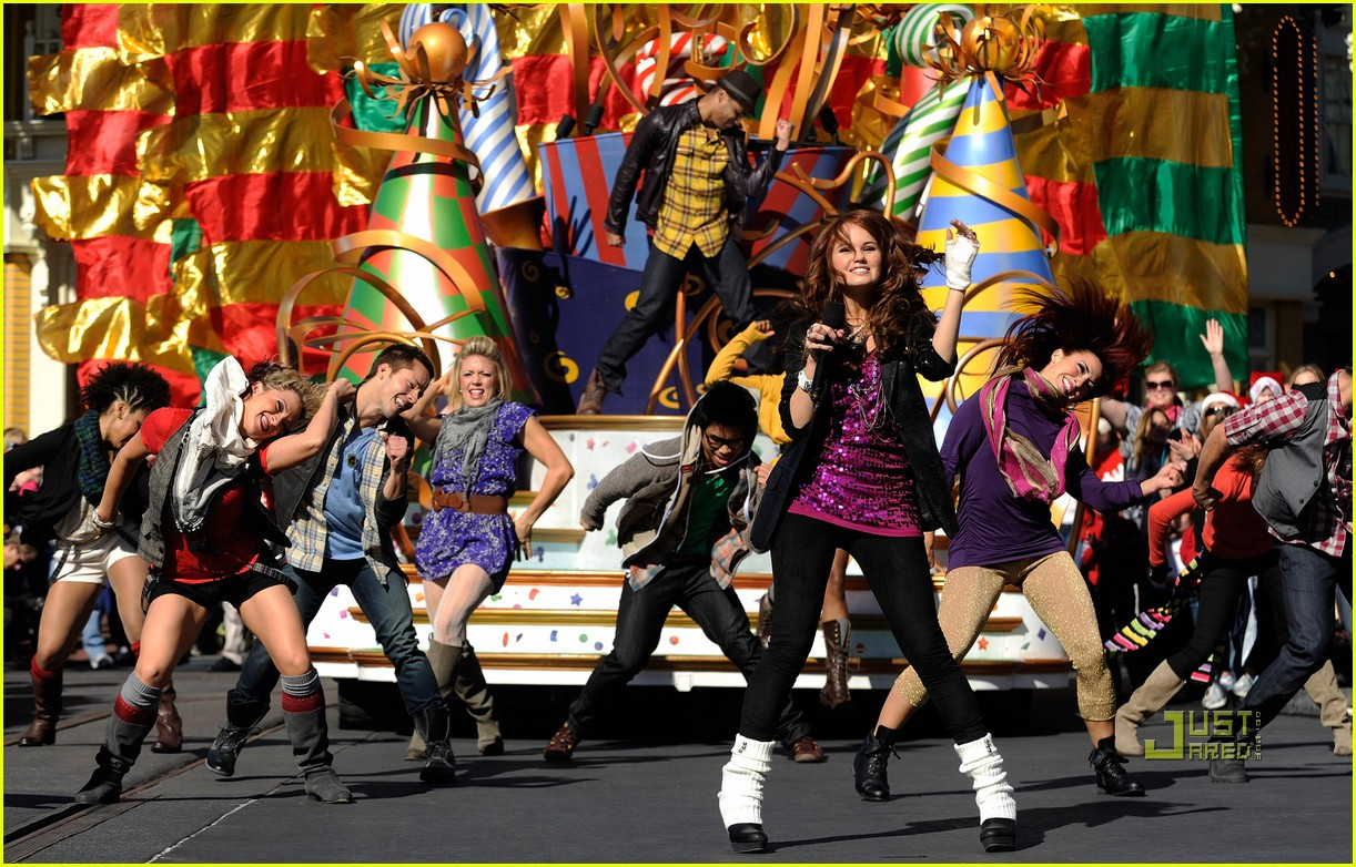 amber riley magic kingdom debby ryan 03