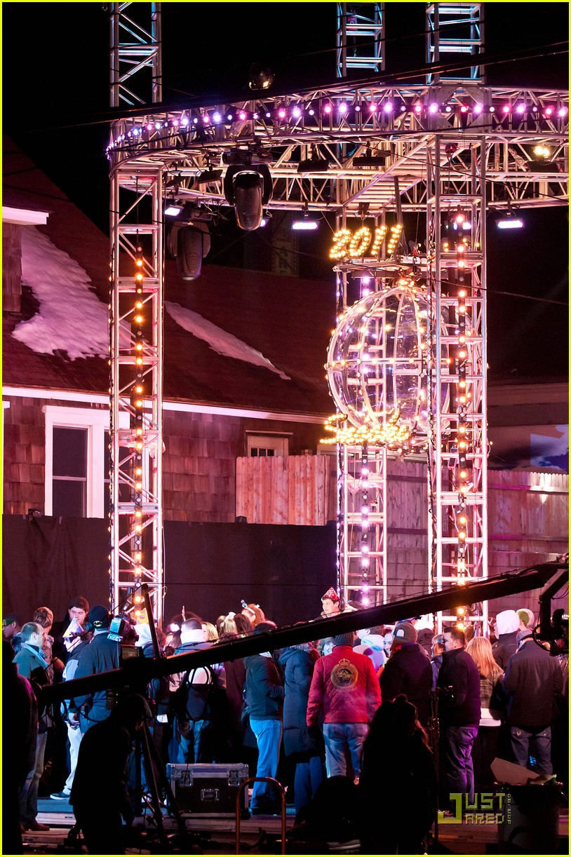 snooki new years eve ball drop preview 092507303