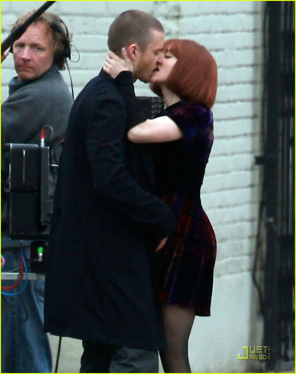justin timberlake amanda seyfried kissing 15