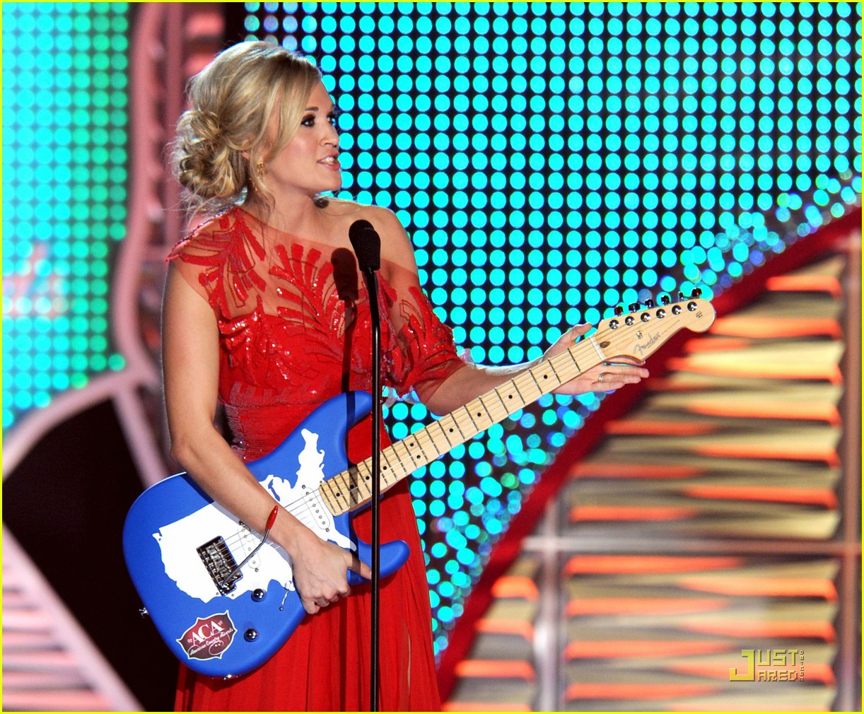 carrie underwood aca 15