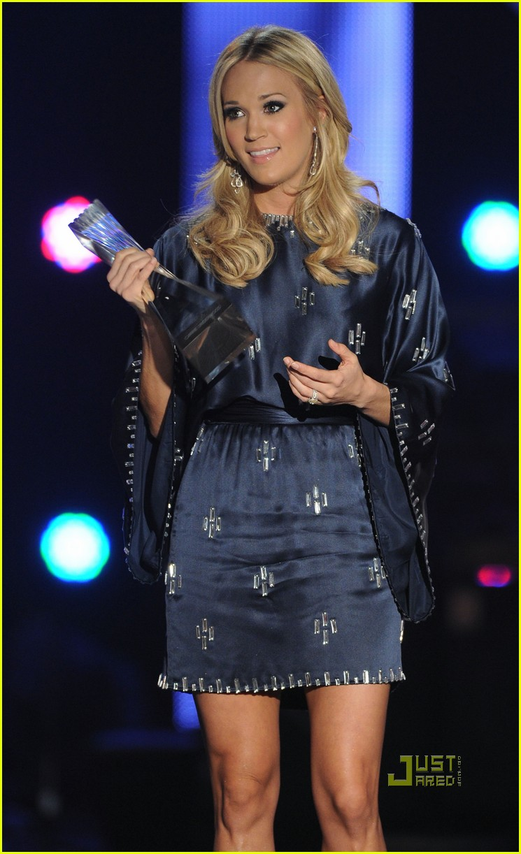 taylor swift carrie underwood cma artists of the year 022499931