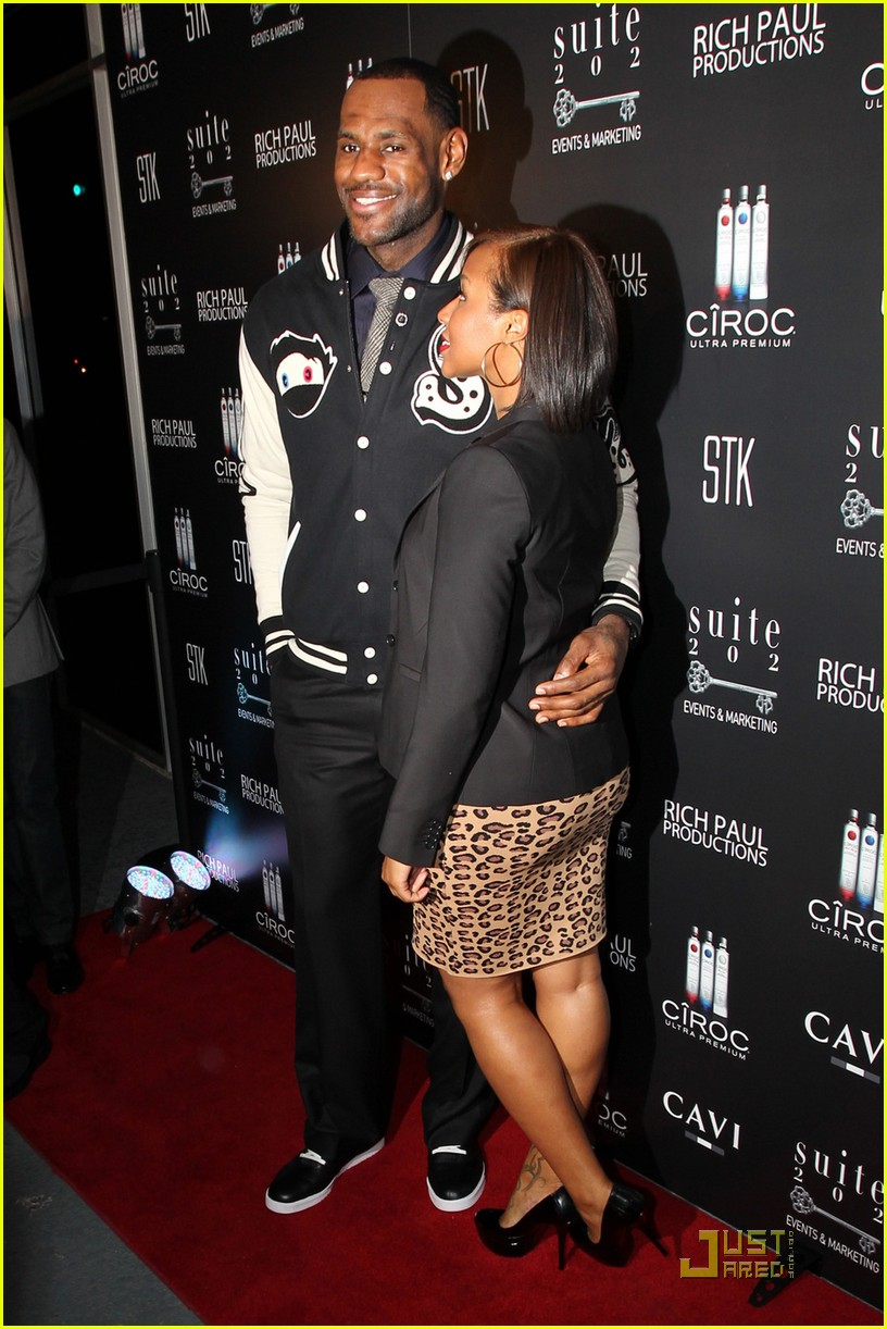 gabrielle union lebron james party 042507342