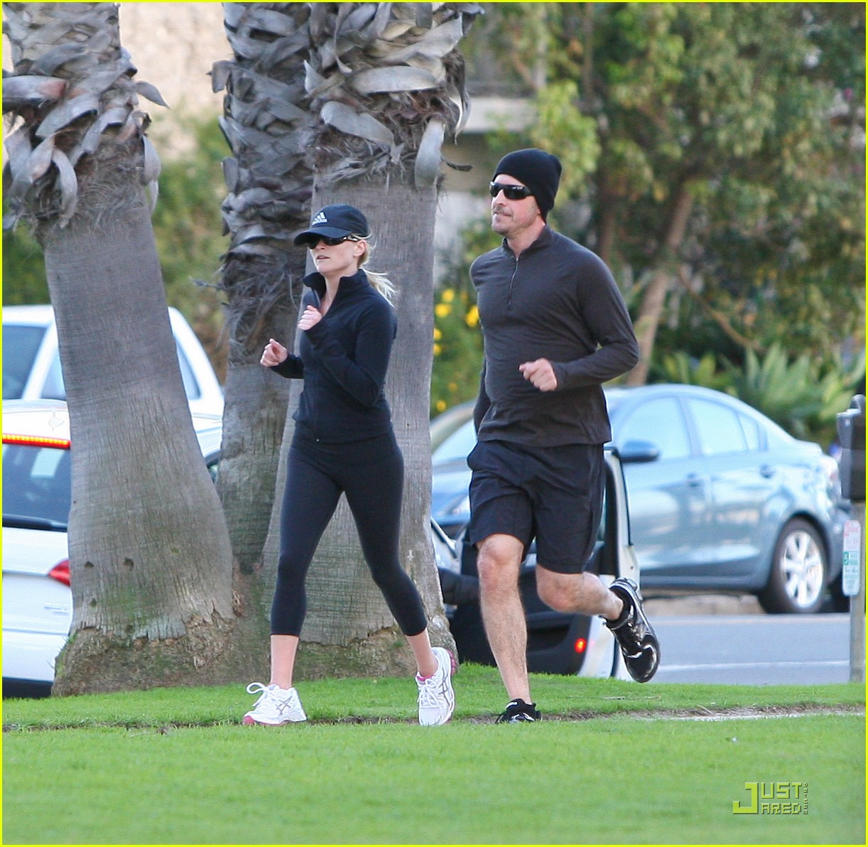 reese witherspoon jim toth jogging 012507418