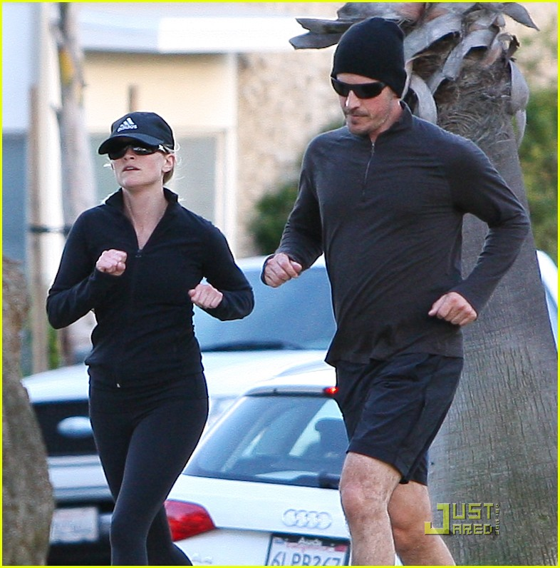 reese witherspoon jim toth jogging 06