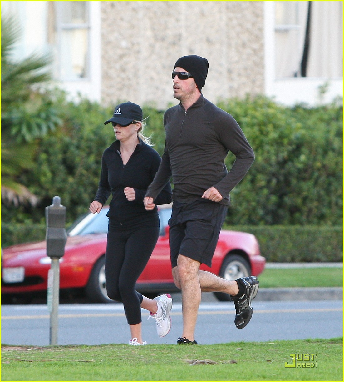 reese witherspoon jim toth jogging 07