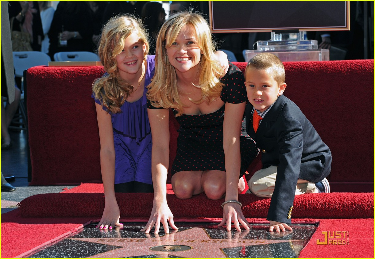 reese witherspoon star 092500024