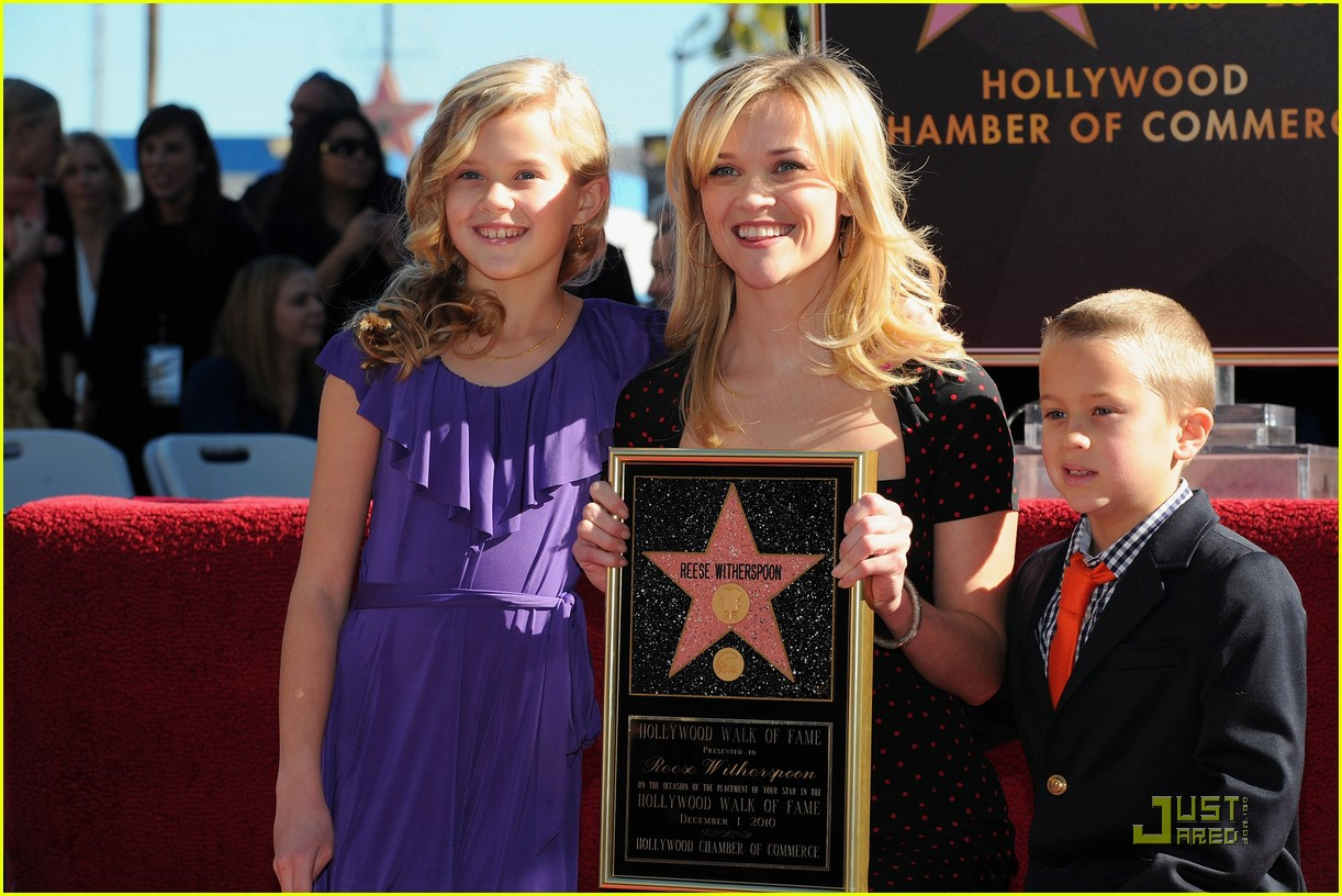 reese witherspoon star 162500031