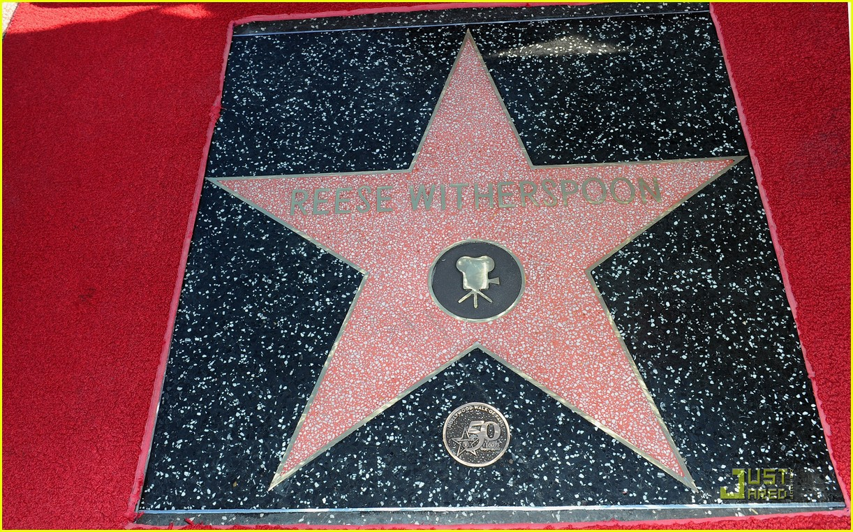 Full Sized Photo of reese witherspoon star 18