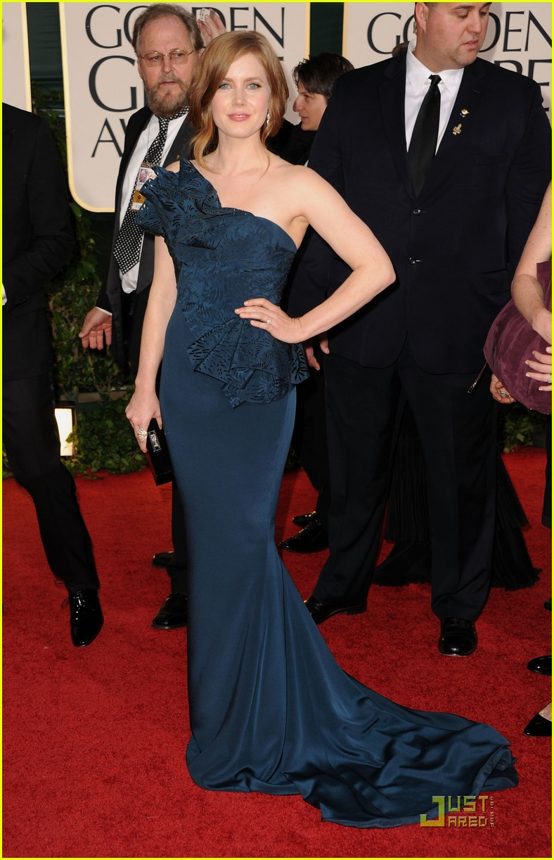 amy adams 2011 red carpet golden globes 05