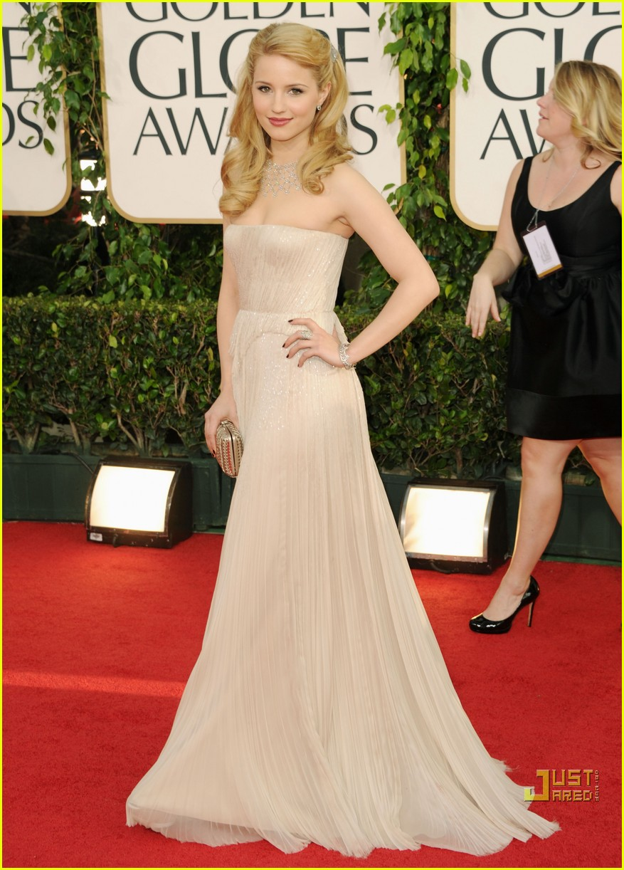 dianna agron golden globes red carpet 2011 03