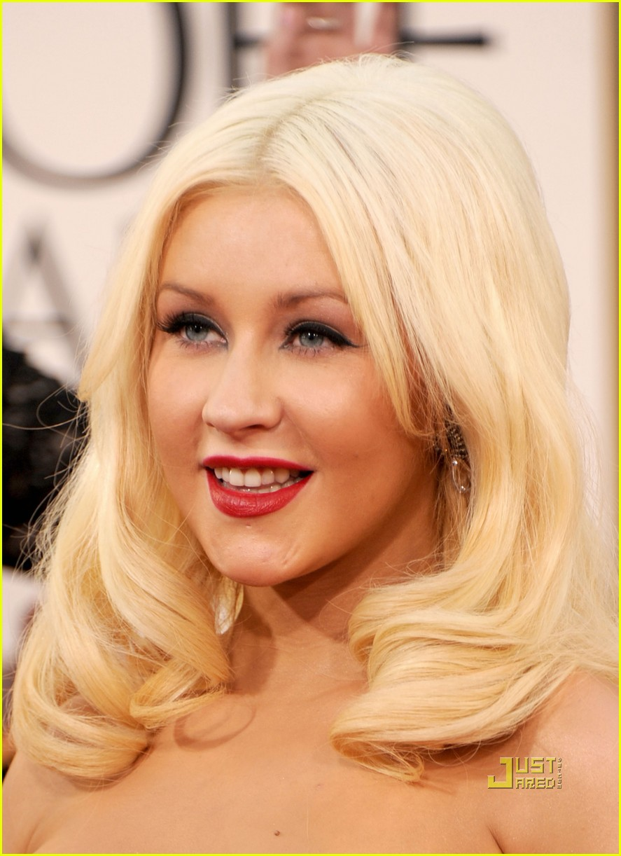 christina aguilera 2011 golden globes 02