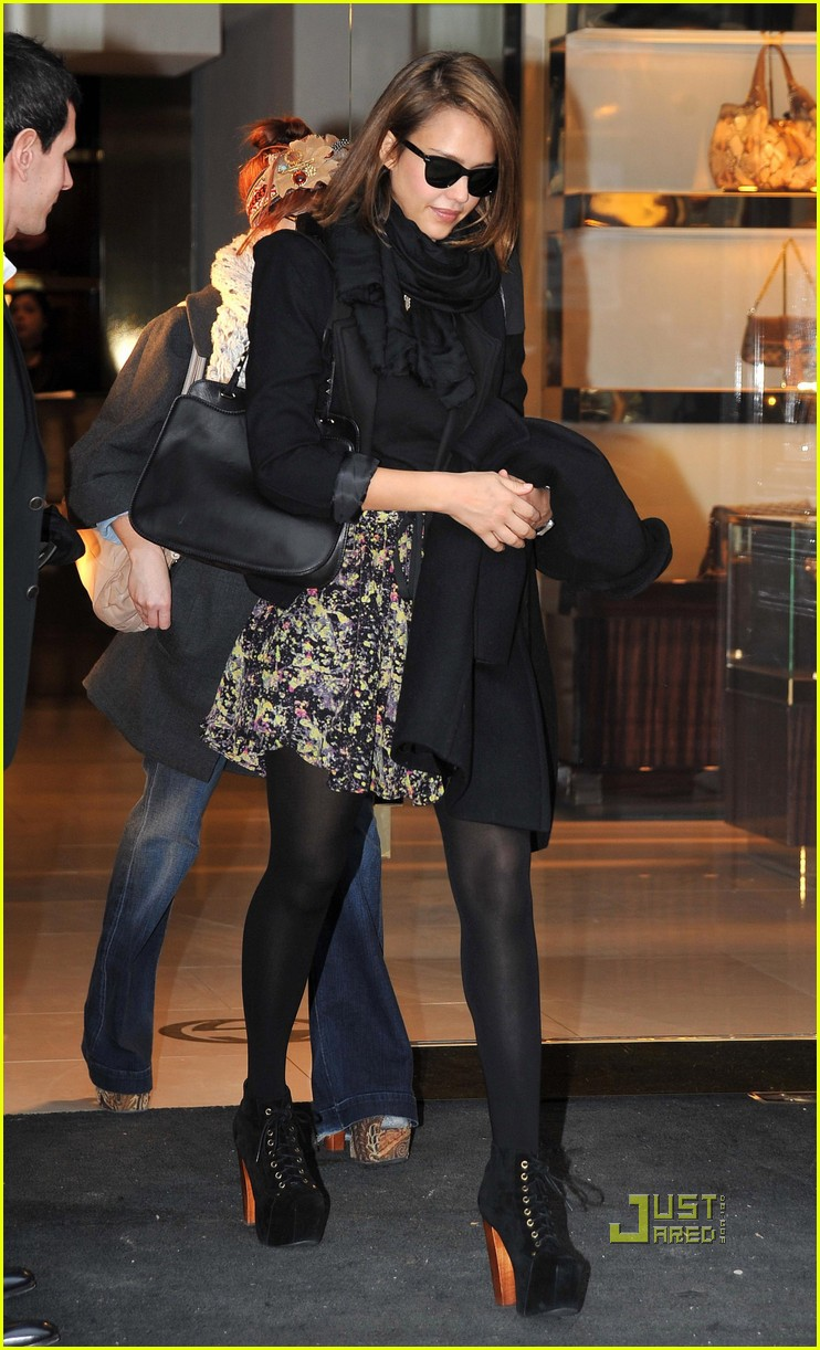jessica alba gucci boutique paris 02
