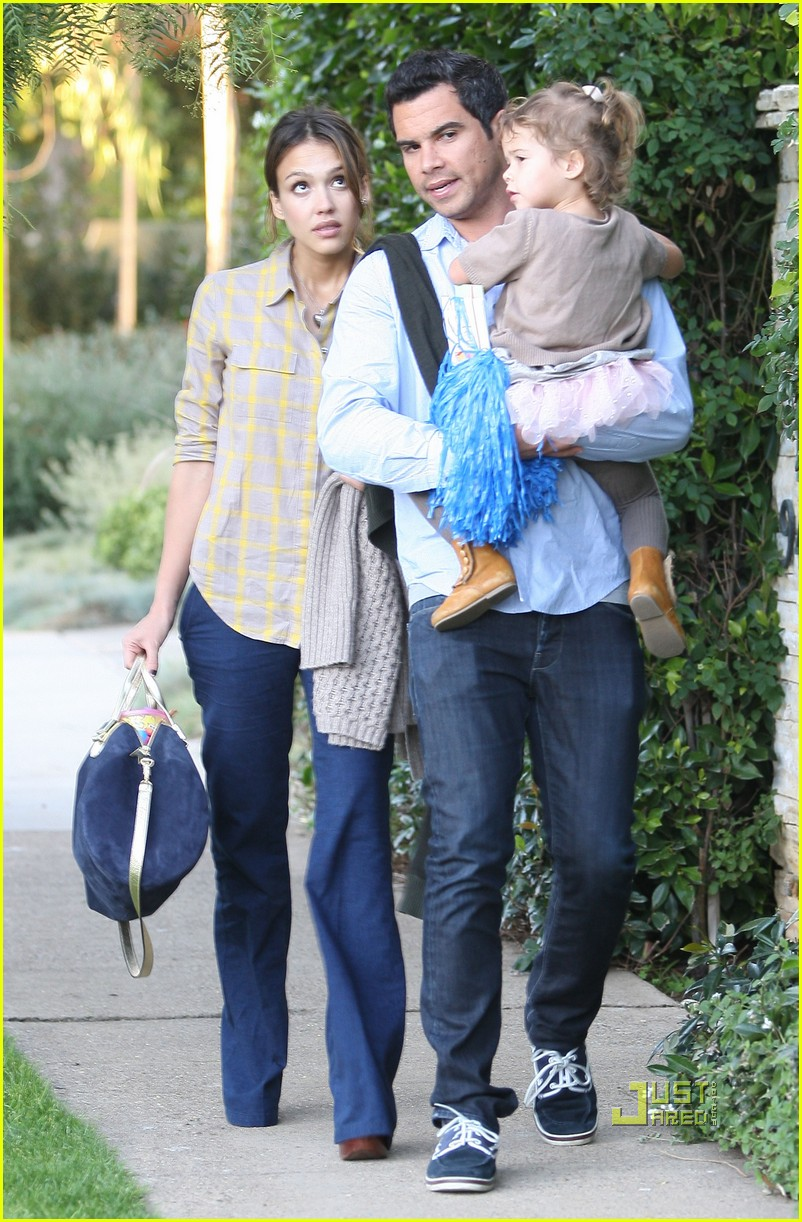 jessica alba honor cash birthday party pacific palisades 032512714
