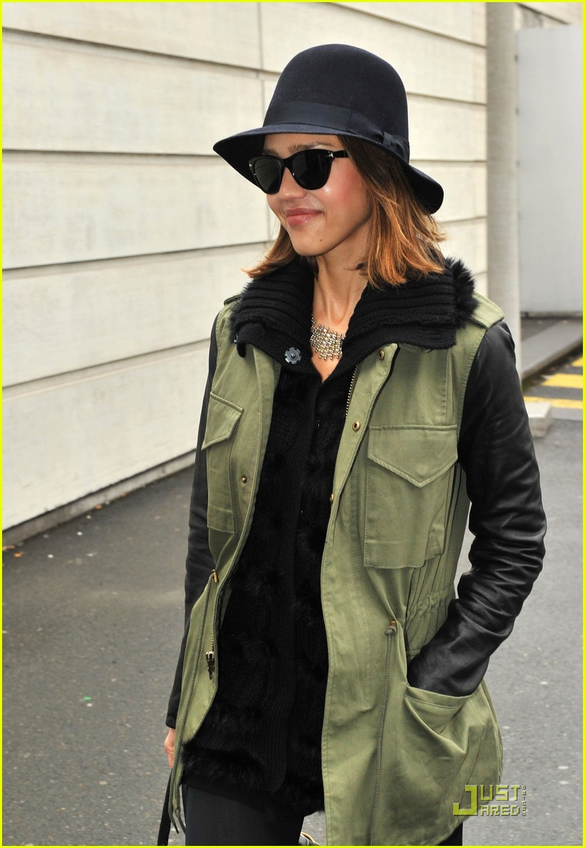 jessica alba paris 03
