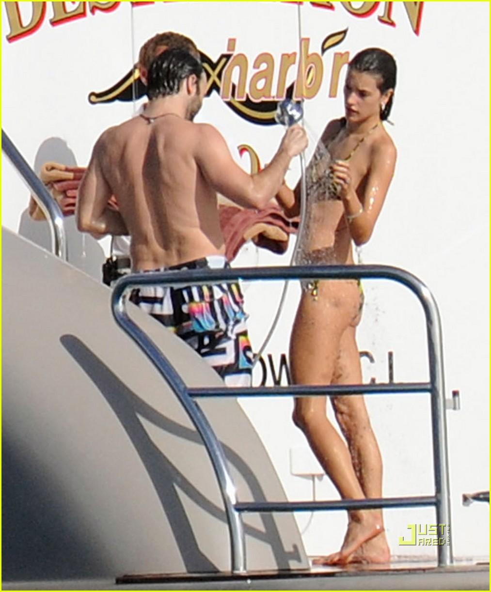 alessandra ambrosio boat st barts 082507941