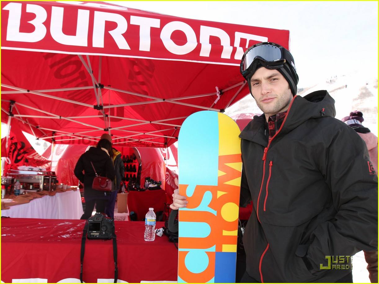 penn badgley snowboarding 06