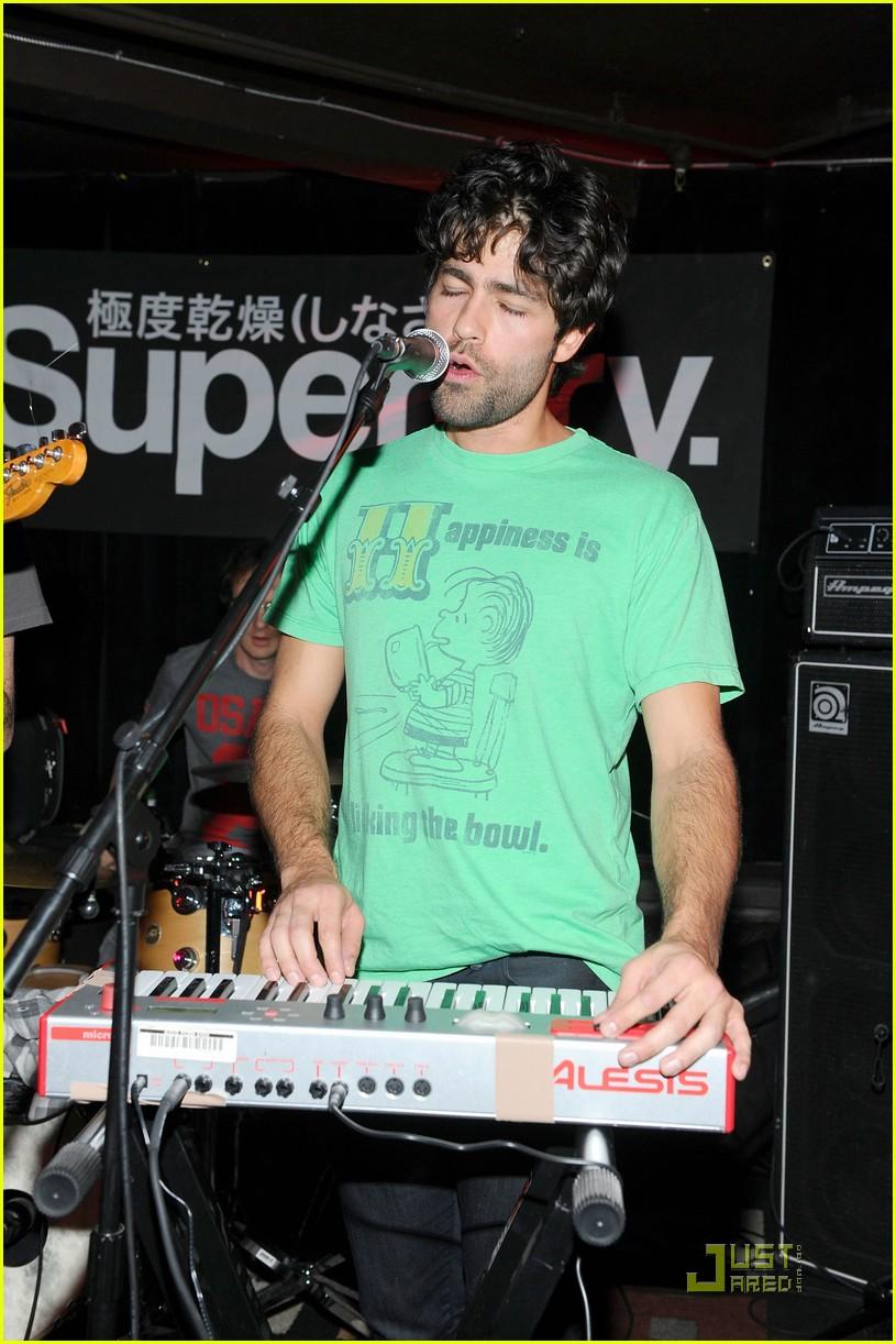 penn badgley superdry sundance 03