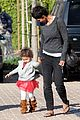 halle berry nahla shopping 08