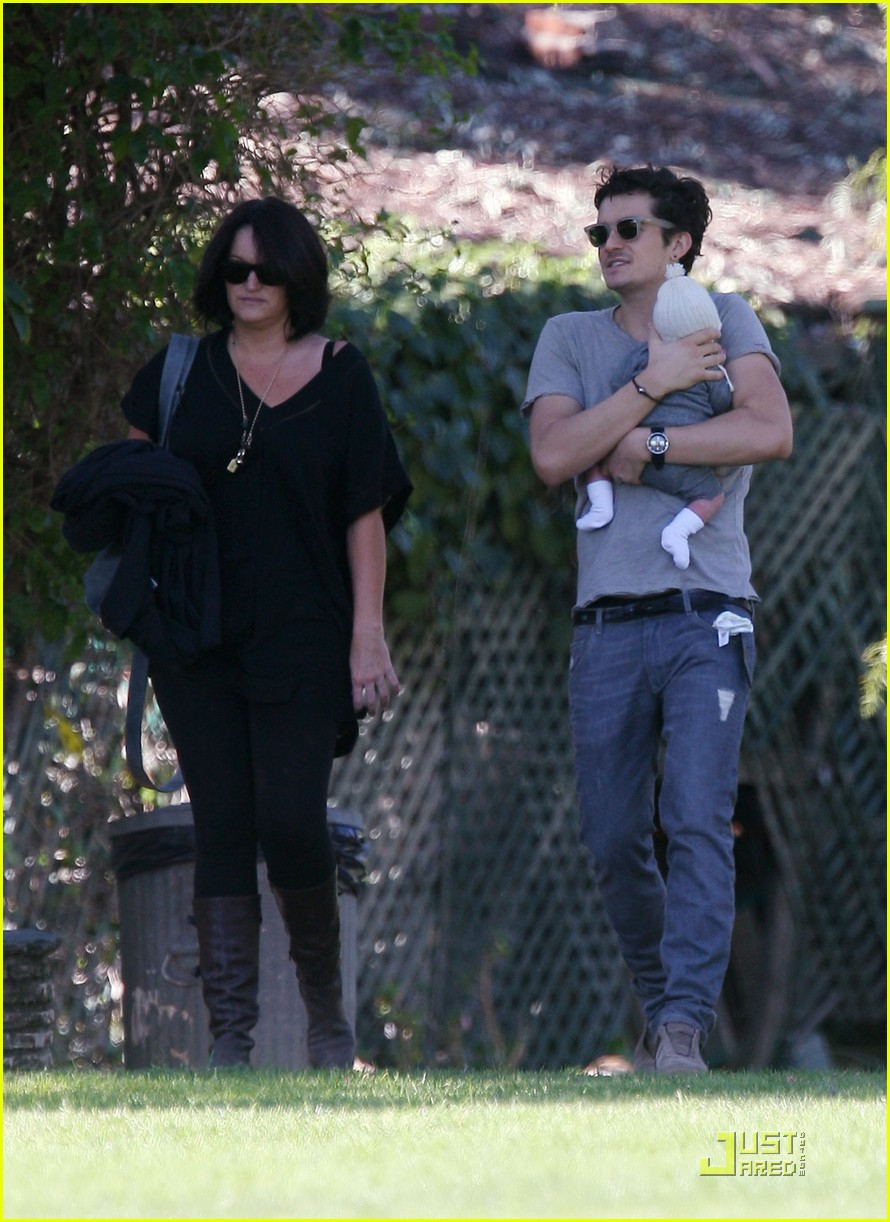 orlando bloom walk in the park with flynn 172513861