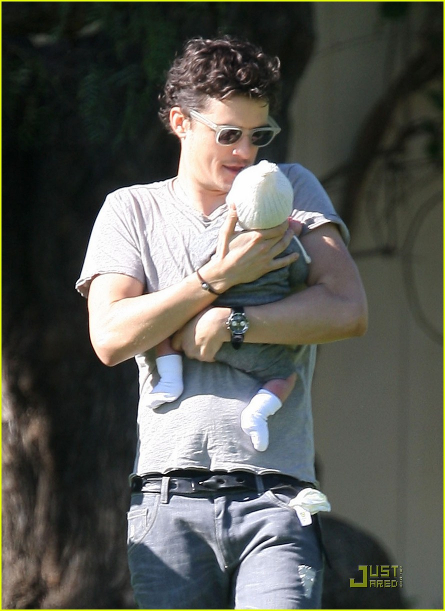 orlando bloom walk in the park with flynn 182513862