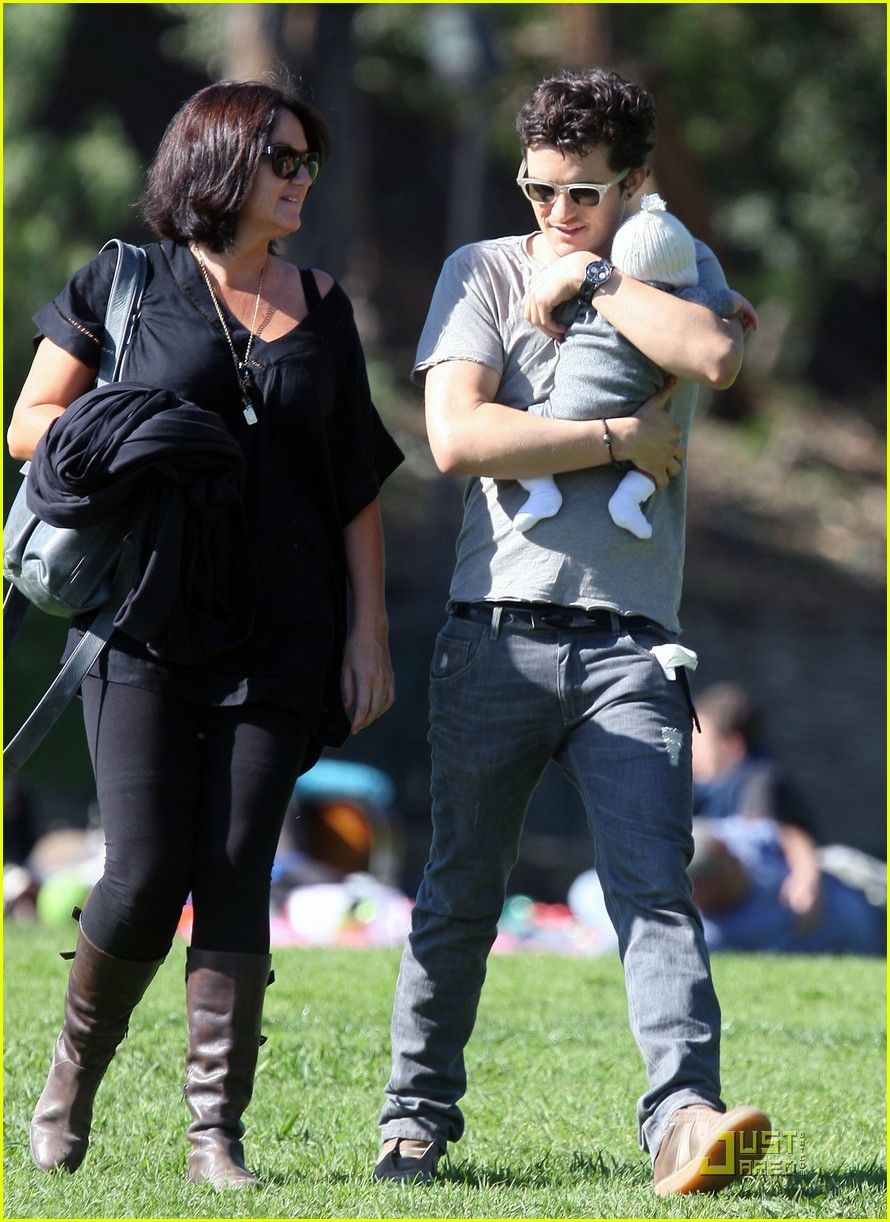 orlando bloom walk in the park with flynn 252513869
