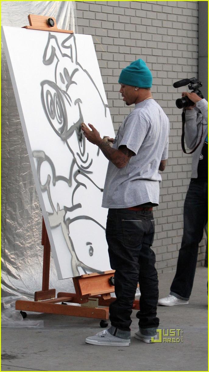 chris brown graffiti barnes noble 052514447