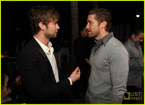 chace crawford matthew morrison new years 012507588