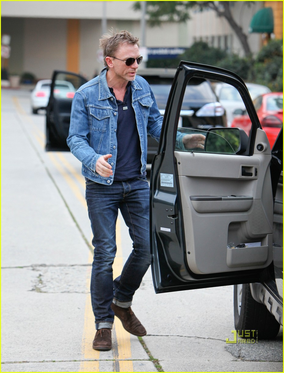 8a660f83c Daniel Craig: Denim Jacket Dude: Photo 2509298 | Daniel Craig ...