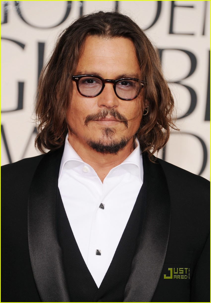 johnny depp 2011 golden globes red carpet 01