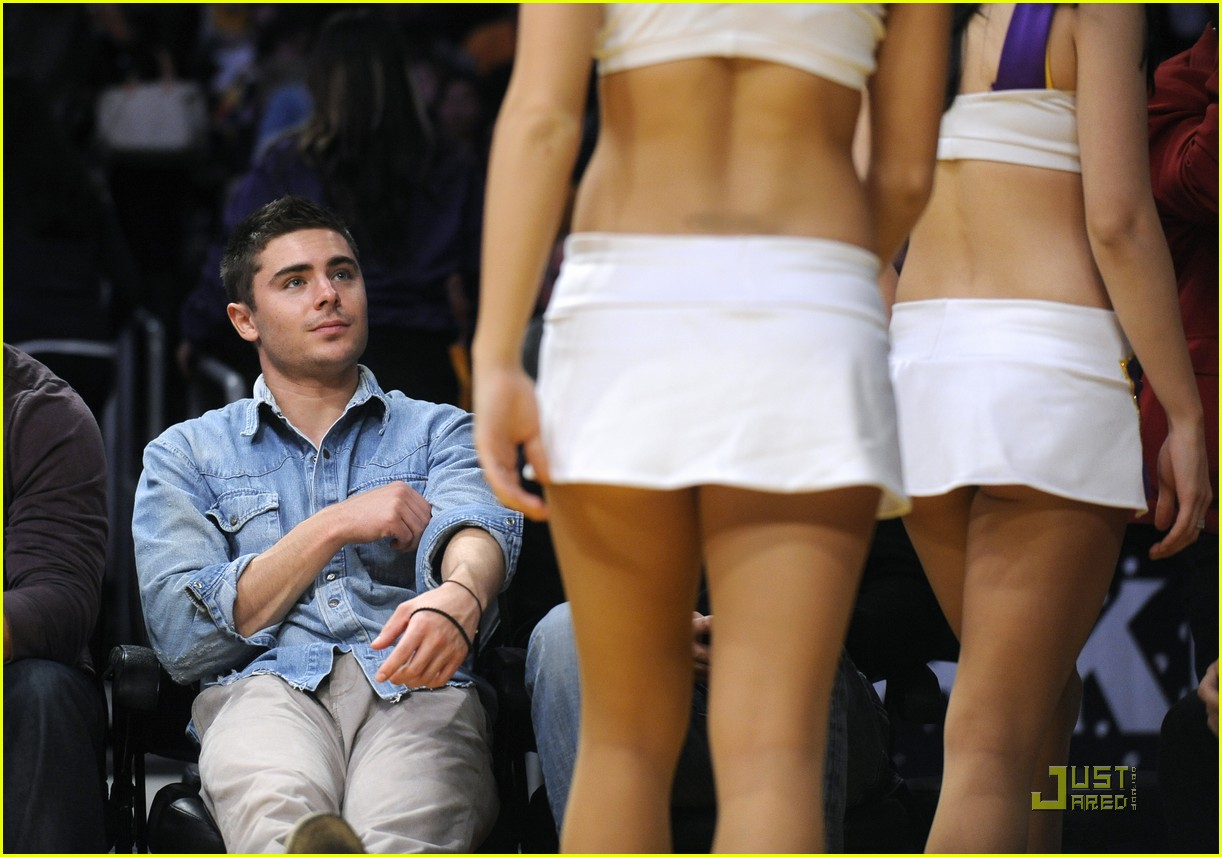 zac efron lakers game george lopez 072515711