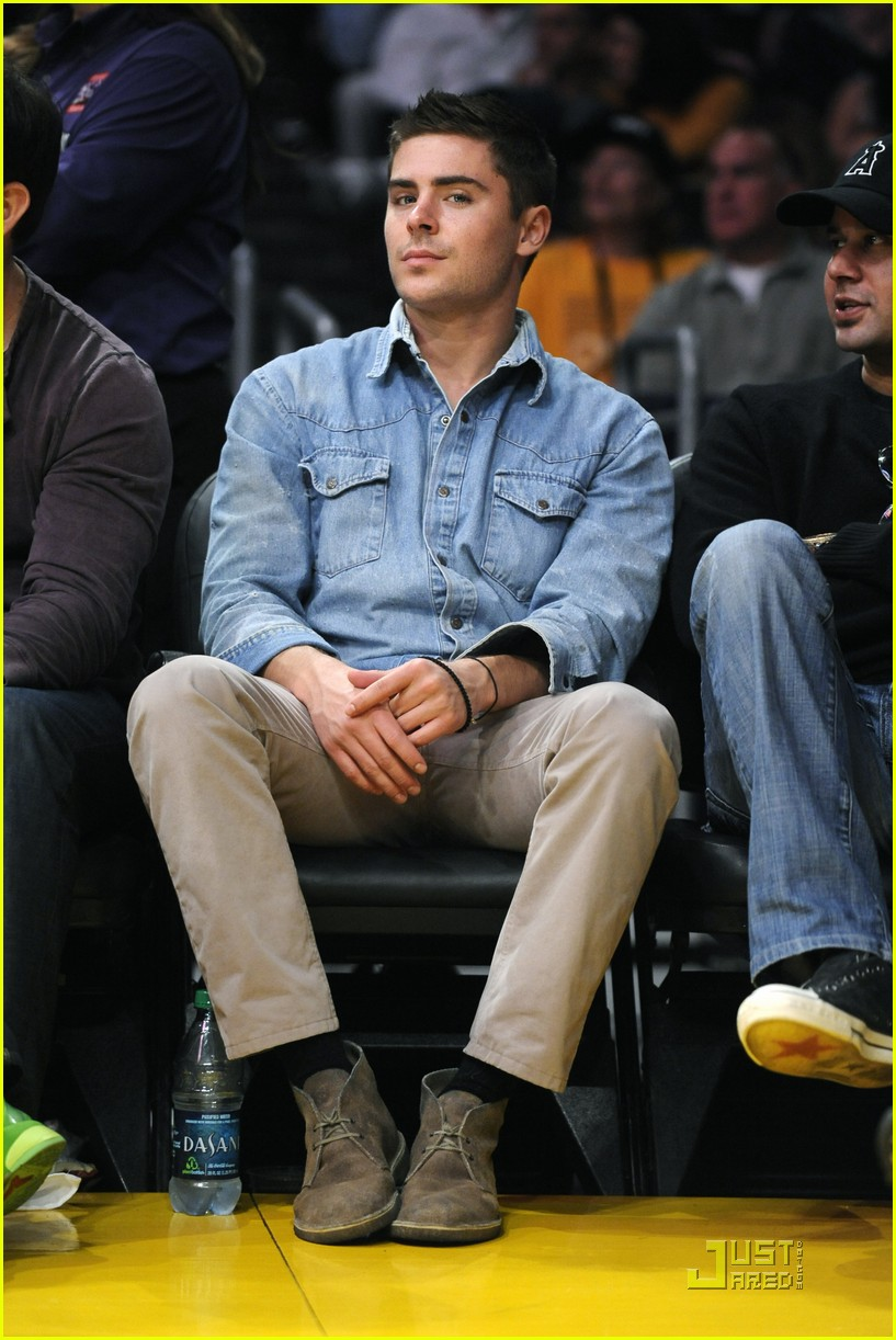 zac efron lakers game george lopez 10