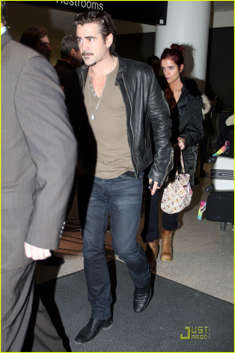 colin farrell arriving in los angeles 042509039