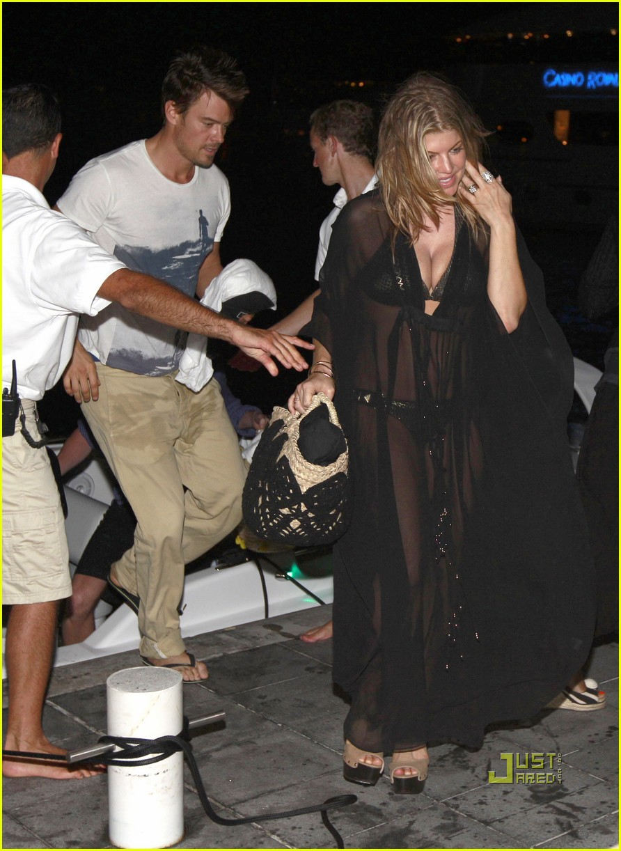 fergie sheer coverup with josh duhamel 042507790