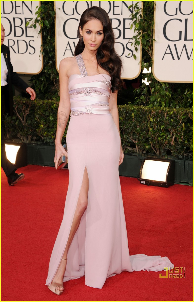 megan fox golden globes red carpet 2011 012511901