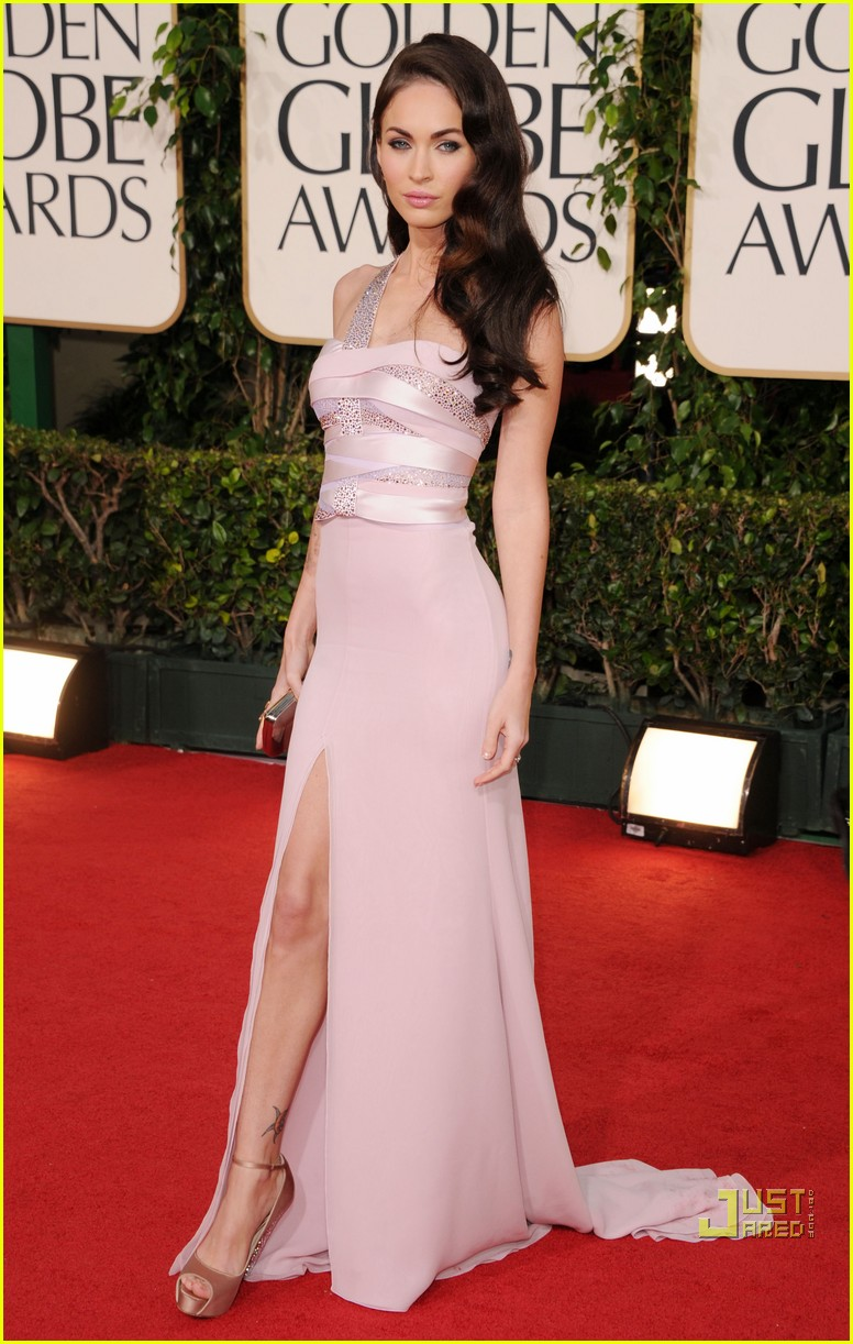 megan fox golden globes red carpet 2011 04