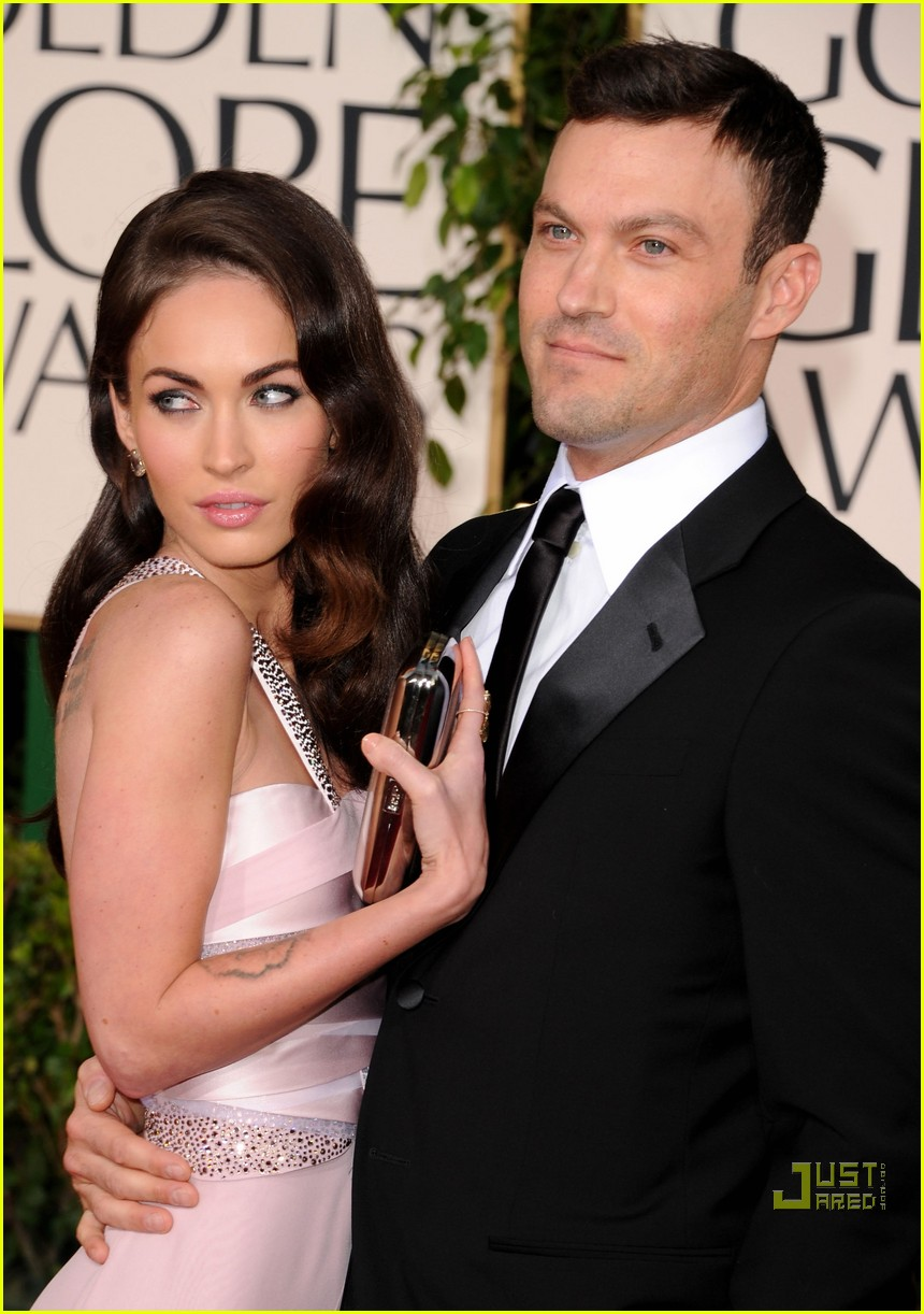 megan fox golden globes red carpet 2011 07
